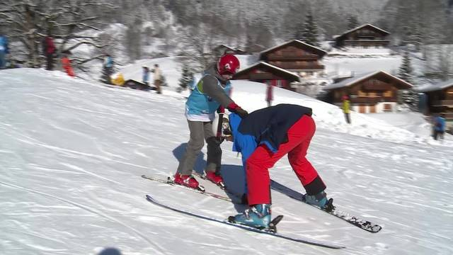Impressionen: Flüchtlingskinder erleben Schneesport