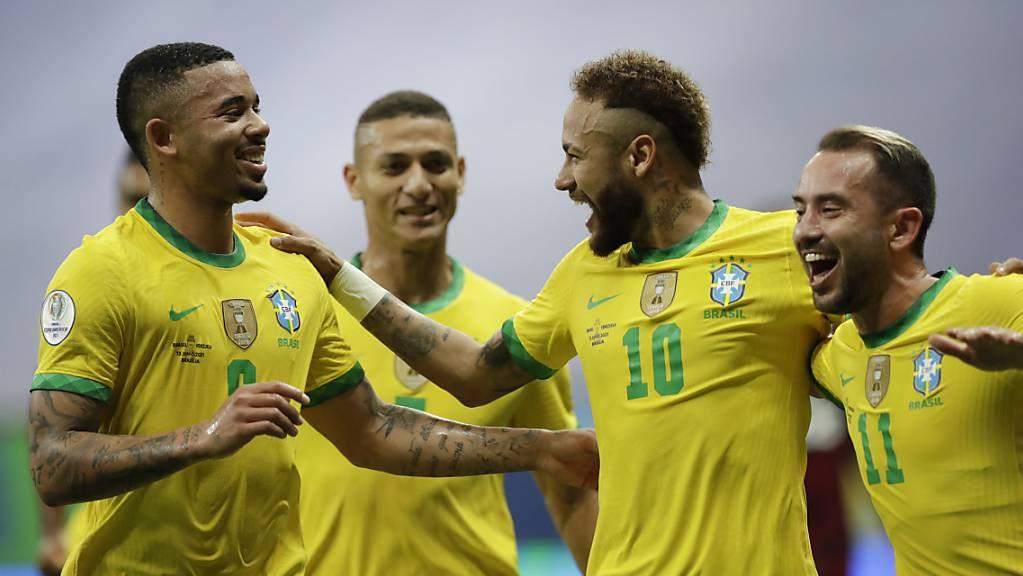 Brasilien gewinnt Eröffnungsspiel gegen Venezuela 3:0