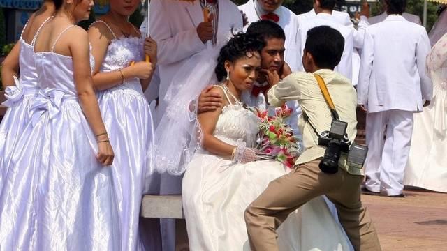 Eine neue Heiratsregel begünstigt einheimische Männer in Kambodscha (Symbolbild)