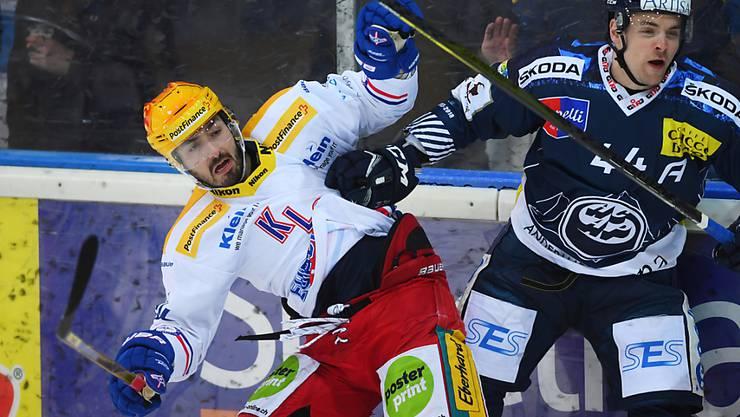 Denis Hollenstein (links) ist für Spiel 2 der Playout-Serie gegen Ambri-Piotta gesperrt