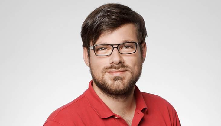 Der gebürtige Badener Simon Balissat (33) arbeitet bei Radio 24 in Zürich als Produzent für die Morgensendung «Ufsteller». Zudem moderiert er jeden ersten Sonntag im Monat zwischen 21 und 22 Uhr eine Satiresendung bei Radio Kanal K.