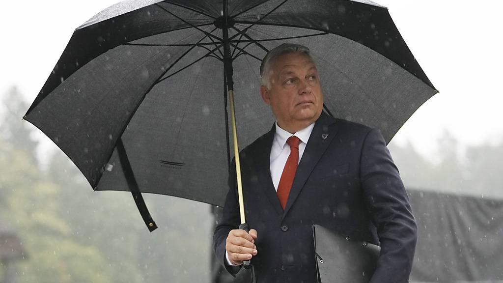 Ungarn unter Premier Viktor Orban steht wegen der Aushöhlung von Demokratie und Rechtsstaatlichkeit selbst stark in der Kritik. Foto: Petr David Josek/AP/dpa