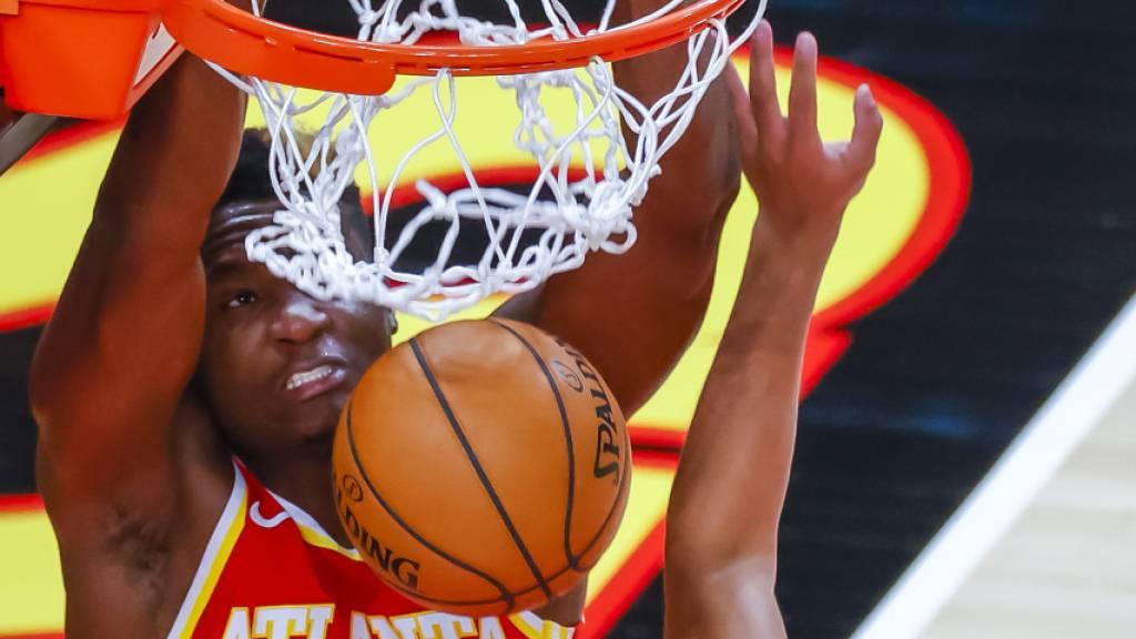 Erfolgreiche NBA-Premiere von Capela für Atlanta Hawks
