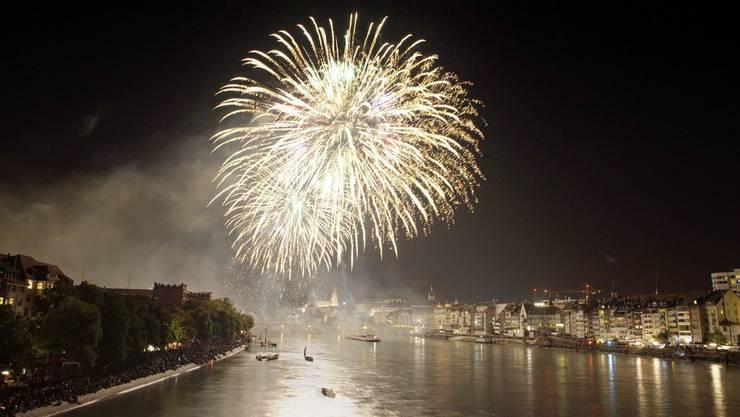 Am 31. Juli feiert Basel mit einem grossen Feuerwerk den Geburtstag der Eidgenossenschaft. (Archiv)