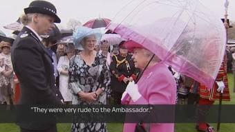 Queen Elizabeth II tauscht sich anlässlich ihrer Geburtstagsfeier in London mit der Metropolitan-Polizeichefin aus.