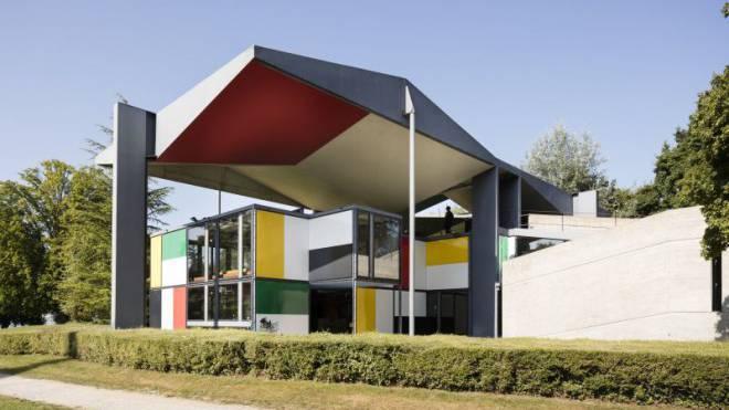 Das Corbusier-Haus an der Blatterwiese beim Zürichsee ist Heidi Webers Lebenswerk. Jetzt ist sie enttäuscht von der Stadt, die ihren Namen tilgte. Foto: Keystone