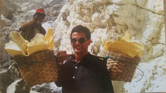 Der Badener GLP-Grossrat Sander Mallien arbeitete vor 30 Jahren einen Tag im Vulkan Ijen in Indonesien