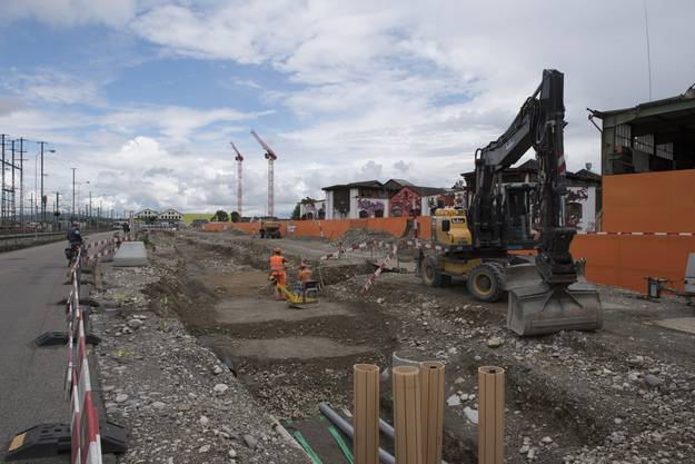 Auf dem Torfeld Süd wird das neue Aarauer Fussballstadion gebaut, 3. Juni 2016.