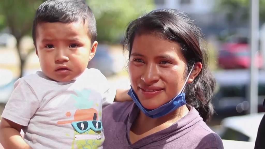 Vermisster 2-jähriger Junge nach 44 Tagen mit Mutter wiedervereint