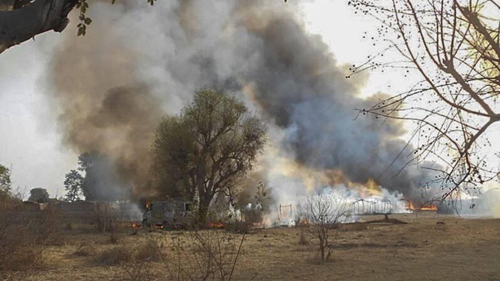 Das Militär in Nigeria und Niger geht verstärkt gegen Einrichtungen der Islamistengruppe Boko Haram vor. (Archivbild)
