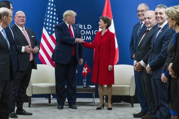 Am WEF im vergangenen Januar: Bundespräsidentin Simonetta Sommaruga mit US-Präsident Donald Trump. Rechts die Bundesräte Ignazio Cassis, Ueli Maurer und Guy Parmelin.