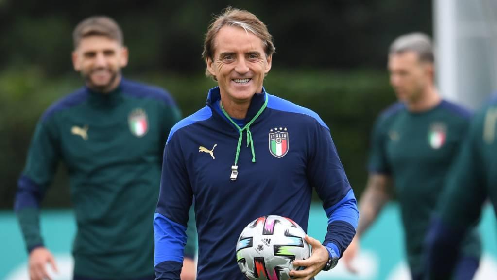 Vorfreude statt Nervosität: Italiens Trainer Roberto Mancini ist entspannt