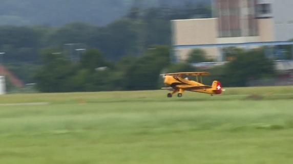 Diverse Flugshows zum 80. Geburtstag