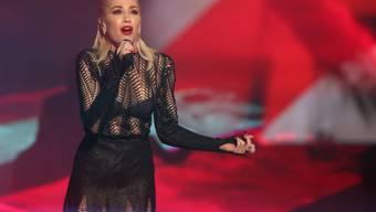 Hier (im November 2015 an den American Music Awards) sang Gwen Stefani noch über ihre zerbrochene Ehe mit Gavin Rossdale: Heute singt sie lieber über ihren neuen Freund (Archiv).