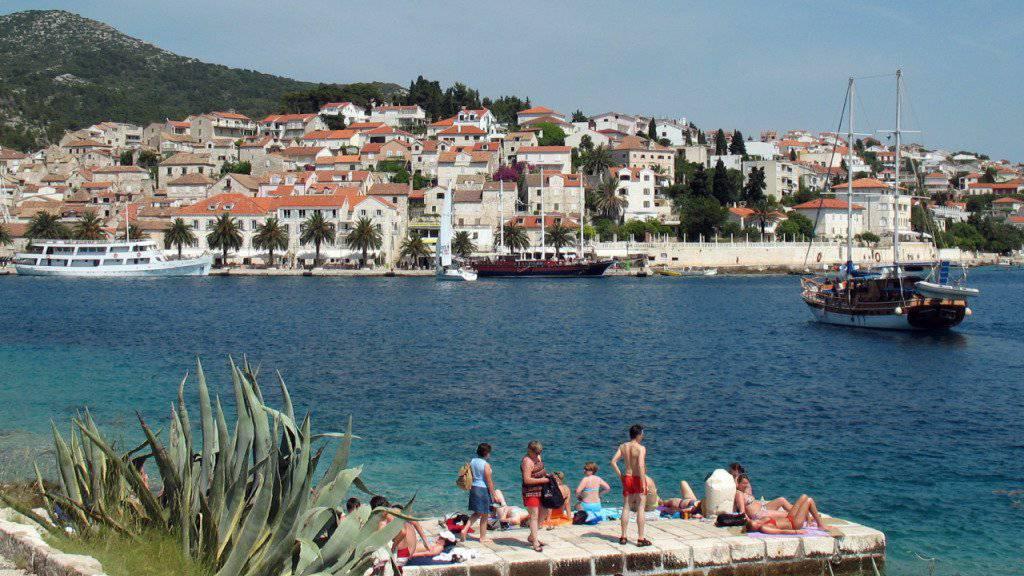 Der Vergiftungsfall ereignete sich auf einer Segeljacht vor der kroatischen Insel Hvar. (Archivbild)