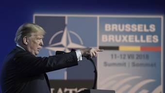 Während des zweitägigen Gipfels in Brüssel drohte der US-Präsident Donald Trump der NATO mit einem amerikanischen Alleingang in Verteidigungsfragen – dabei ging es um Geld.