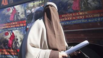 Frankreich hatte 2010 als erstes europäisches Land das Tragen von Vollschleiern verboten. (Archivbild)