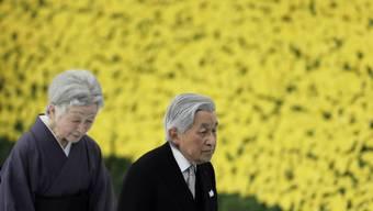 Kaiser Akihito und Kaiserin Michiko bei der Gedenkfeier zum 73. Jahrestag des Kriegsendes.