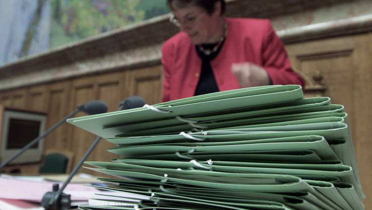 MAnuell ist doch besser: Um den Aktenberg bei den Aargauern Familiengerichten abzutragen, wurde zusätzliches Personal eingestellt.