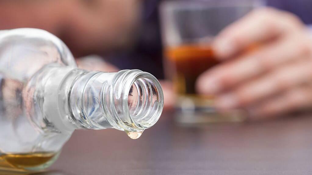 Mehr Personen mit Alkohol- und anderen Suchtproblemen haben sich seit Beginn der Corona-Pandemie beim Blauen Kreuz St. Gallen-Appenzell beraten lassen.