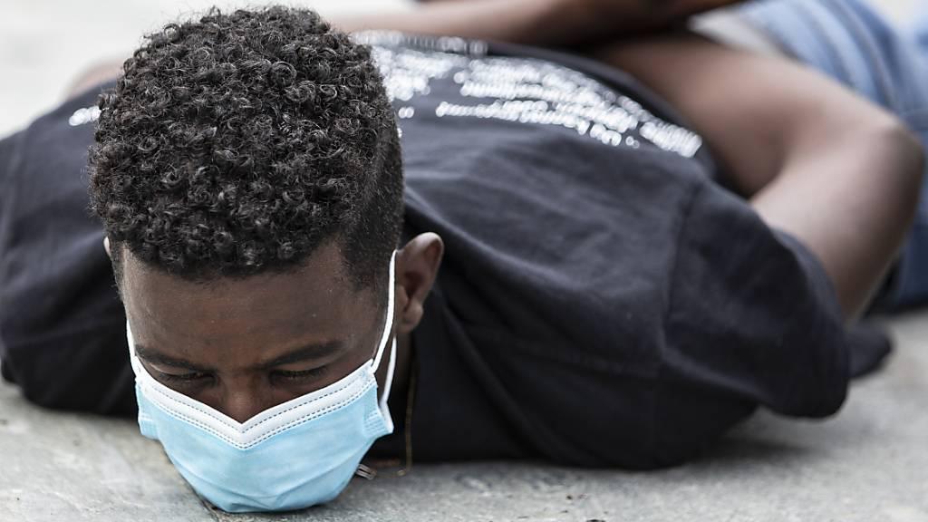 Corona-Pandemie verlagert Rassismus in den privaten Raum