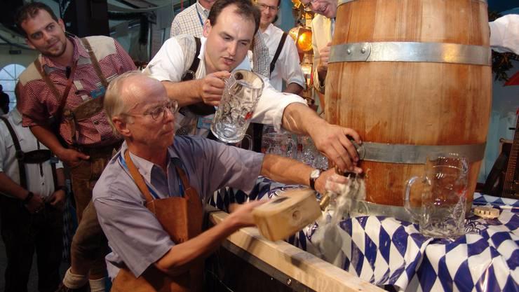 Oktoberfeste mit Bier, Hendl, Haxen und Brezen finden grossen Zulauf.