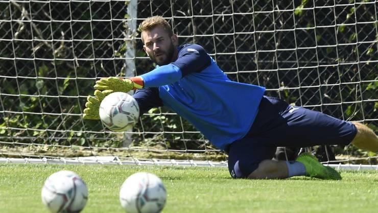 Ausser Goalie Jérémy Frick (Bild) und Anthony Sauthier müssen keine weiteren Servette-Spieler in Quarantäne