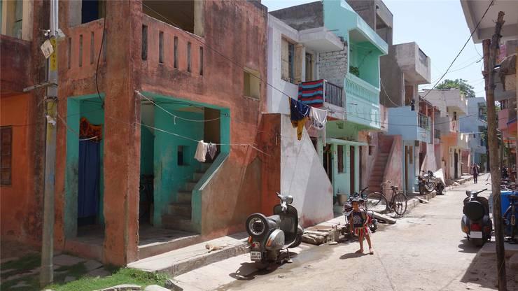 Wohnsiedlung in Aranya, deren Bewohner selbst entscheiden dürfen, wie sie gestaltet werden soll – Doshi stellte den Grundbau zur Verfügung.