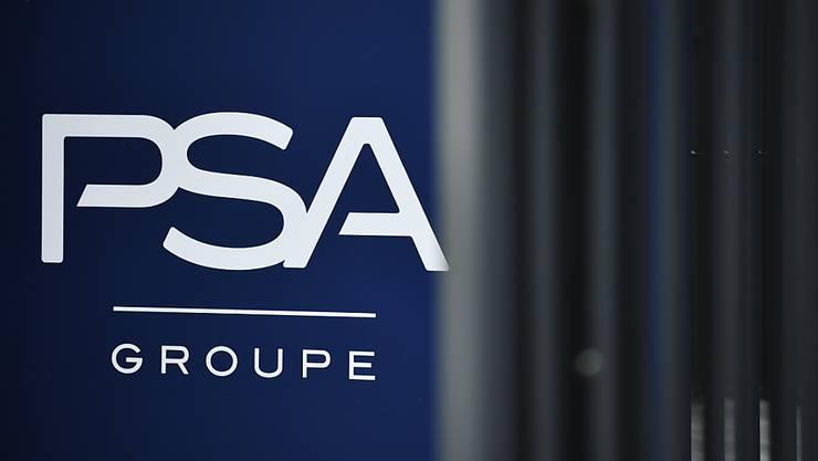 Der Absatz des  französischen Autokonzerns PSA ist um zehn Prozent eingebrochen. (Archiv)