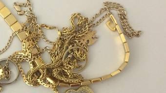Betrüger versuchten Goldschmuck mit falschem Echtheitsstempel zu verkaufen. (Symbolbild)