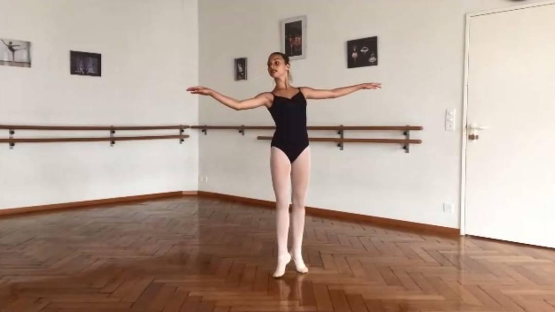 Die 12-jährige Viviana Cali aus Grenchen tanzt Ballett und kann an die WM