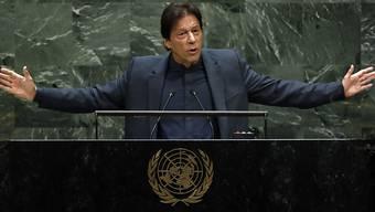 Der pakistanisch Premierminister Imran Khan hat vor der Uno-Vollversammlung die Vereinten Nationen zu einem Eingreifen in Kaschmir gefordert. Im August entzog Indien der indischen Kaschmir-Region den Autonomiestatus.