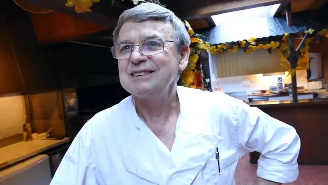 «Freude herrscht!»: Franz Aerni, der Wirt vom Restaurant Einsiedelei, freut sich über die neue Brücke