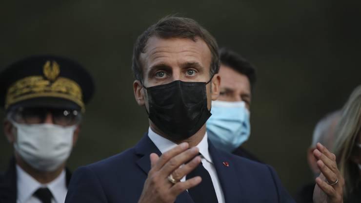 Sperrt die Einwohner von Paris ab 21 Uhr in ihre Häuser ein: Präsident Emmanuel Macron.
