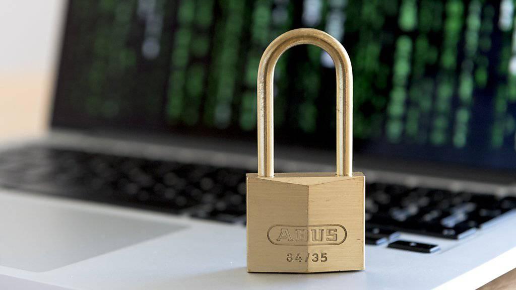 Die Melde- und Analysestelle Informationssicherung (Melani) hat vor der Mehrfachnutzung der selben Passwörter im Internet gewarnt. (Archivbild)
