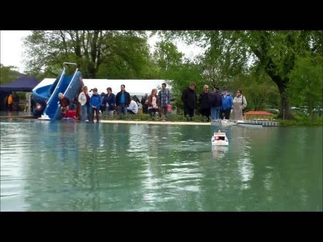 Modellschiffbauer präsentieren ihre Werke in der Wohler Badi