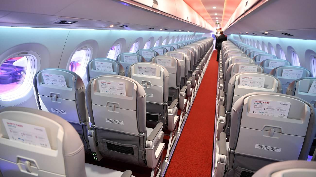 So sieht das neue Helvetic Flugzeug von innen aus. (© Keystone)