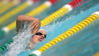 Wettkampfschwimmerinnen und sonstige begeisterte Schwimmer wünschen sich in der Region Basel ein 50-Meter-Innenbecken. bz-archiv