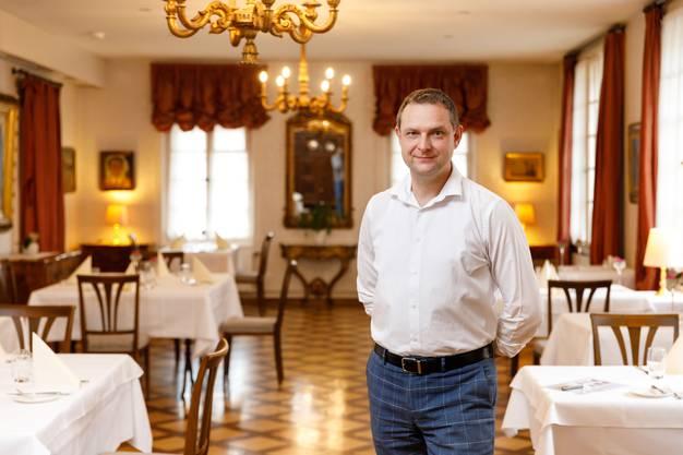 Das Auge isst mit: Im Retro-Dekor des Romantiks Holten verwöhnt Christoph Boren seine Gäste.