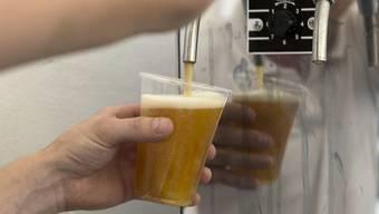 Brauerei AB Inbev senkt Gewinnprognosen. (Symbolbild)