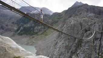 Steinschlag bei Triftbrücke tötet Frau