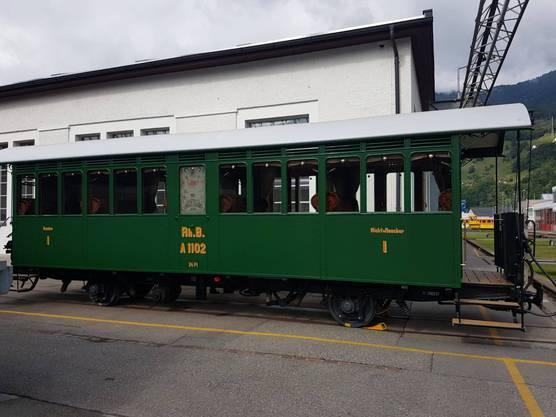 Die Rhätische Bahn RhB restaurierte diesen 1903 in Schlieren erbeuten Wagon dieses Jahr.