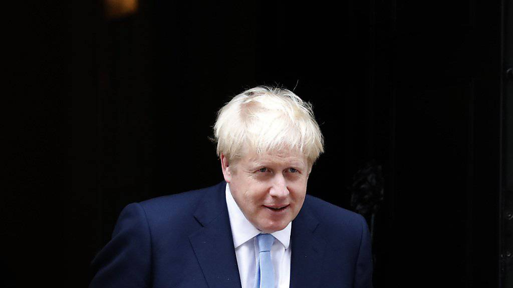 Der britische Premierminister Boris Johnson hat in seiner regelmässigen Kolumne radikale Massnahmen zur Bekämpfung der Kriminalität sowie mehr Geld für Gefängnisplätze angekündigt. (Archivbild)