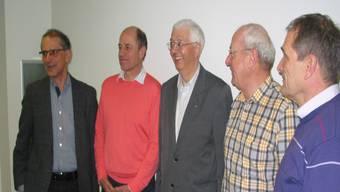 Die neu gewählten Vorstandsmitglieder mit Präsident Werner Schneider in der Mitte. hbs