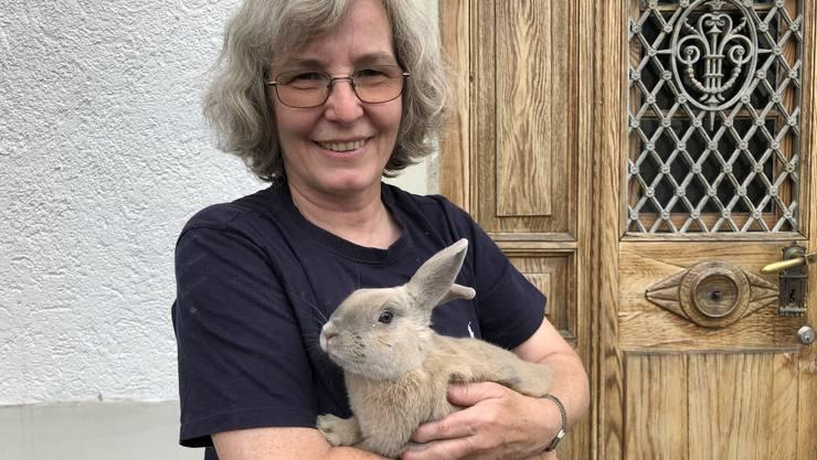 Seit über 20 Jahren kümmert sich Heidi Illi um Kleintiere. Im Tierschutz Limmattal-Säuliamt beherbergt sie unter anderem 36 Hasen.