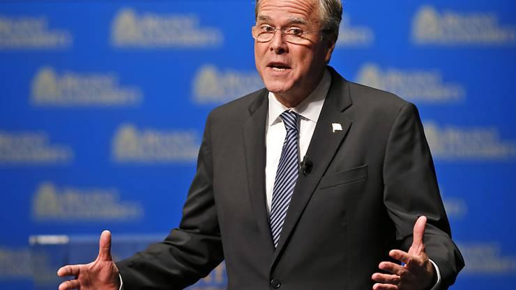 Als Favorit gestartet, nun in finanzieller Bedrängnis: Jeb Bush, republikanischer Anwärter auf des US-Präsidentenamt, muss sein Wahlkampfteam umorganisieren.