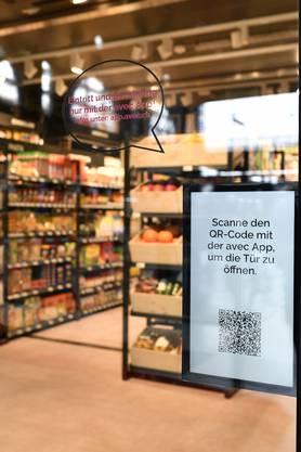 In den beiden Läden avec box sowie avec X, die am Samstag im Zürcher Hauptbahnhof ihre Türen öffnen, ist der Einkauf nur mit einer Handy-App möglich.
