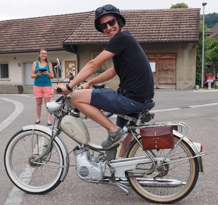 Töffli-Tour Organisator Roger Schwegler machte sich als letzter auf die Strecke
