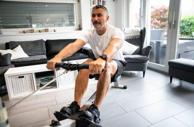 Der 50-Jährige trainiert hart für sein Ziel.