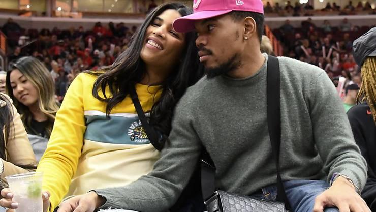 Chance the Rapper und seine Partnerin Kirsten Corley haben sich das Ja-Wort gegeben. Der 25-Jährige hat sie kennen gelernt, als er neun Jahre alt war. (Archivbild)
